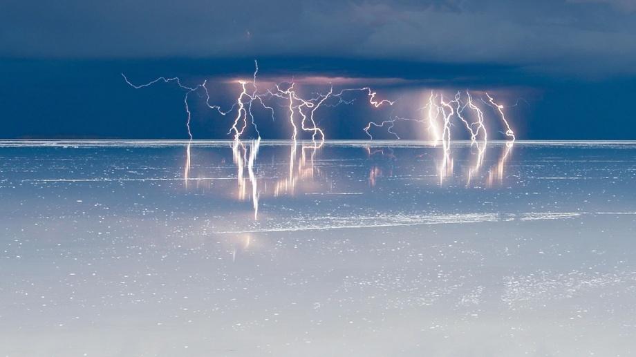 Высохшее соленое озеро в Боливии — Солончак Уюни